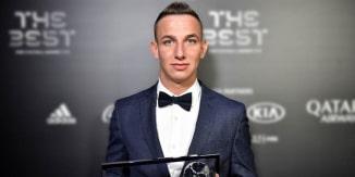 Zsóri Dániel FIFA éves díjátadó gálán megkapta a Puskás-díjat